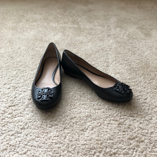 0eeb28f6178c Used pair of black leather flats for sale in Sunnyvale - letgo