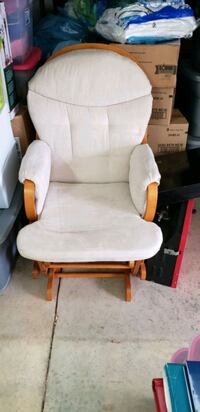 Rocking chair with matching leg stool Columbus