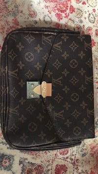 Louis Vuitton hand bag Herndon, 20171