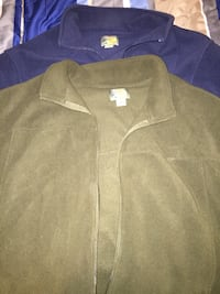 2 fleece jackets 2xl. Forest green and navy blue Indianapolis, 46202