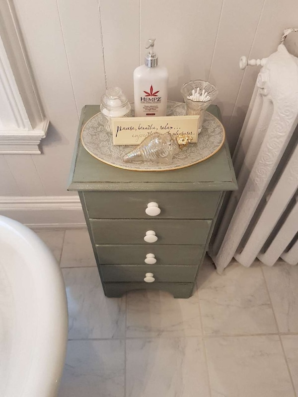 Refinished 4 Drawer Chest