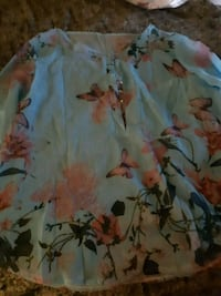 Ladies  new summer  blouse size L St. Catharines, L2M 4G1