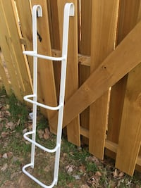 white metal step ladder Sterling, 20164