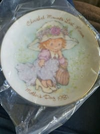 Avon Mother's Day Plate