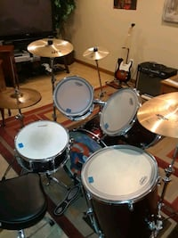 Ludwig 5 pc Drum kit w/ upgrades and extras South Bend