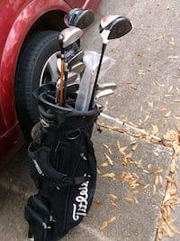 GOLF CLUBS AND CARRY TOTE BAG Houston, 77070