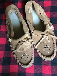 Laurentian Chief Moccasins Size 9 NEW! Toronto, M1S 3Z1