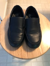 Size 2 boys black loafers North Potomac, 20878