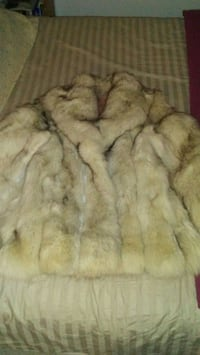 Authentic Arctic Fox Fur Coat Edmonton, T5B