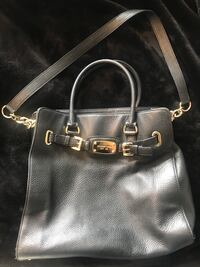 black leather 2-way handbag Oakville, L6H 7S9