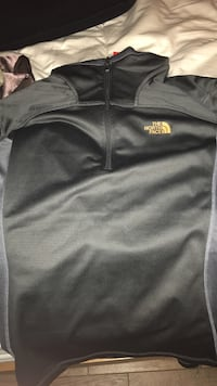north face never worn w/ tag sweater large Camarillo, 93010