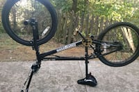 Mongoose bmx bike like new only rode a couple of times Versailles, 40383
