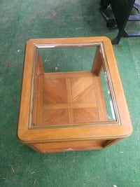 Glass top end table Edgewater, 32141