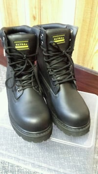 mens safety boots size 9 Toronto, M6E