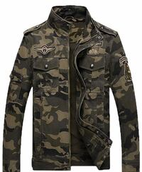 Black and green camouflage jacket New York, 11377