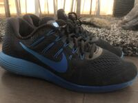 Nike mens runners ~ size 12