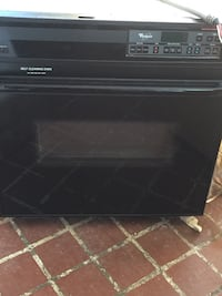 Whirlpool wall oven, self cleaning black in color Elizabethton, 37643