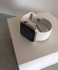 Apple Watch series 3 42mm white with red button