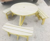 Round smaller wooden picnic table  Killeen, 76541