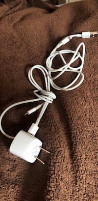 Apple iPhone chargers  Calgary, T3H 5T1