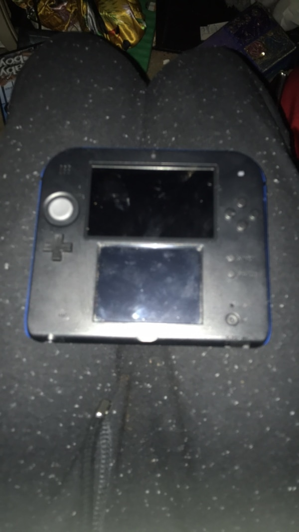 2DS with Pokémon game but no charger