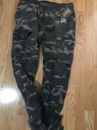 green, black, and gray camouflage cargo pants Mississauga, L4T
