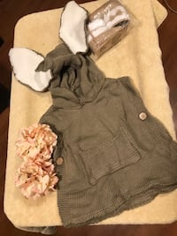 Girls bunny poncho with boots sz 1-3 years-2 available Toronto, M9A 4J2