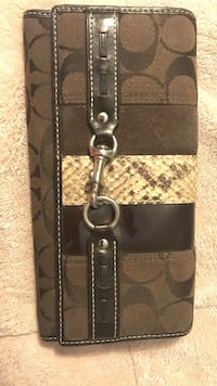 Coach wallet with snakeskin- excellent condition. Fairfax, 22033