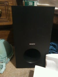 black and gray Sony speaker