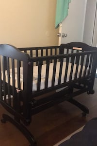 Baby crib/bassinet Germantown