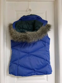 Warm royal purple winter vest with removable fur hood - M