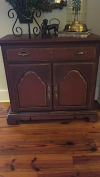 Chalk painted French Buffett in great condition ! Madison, 39110