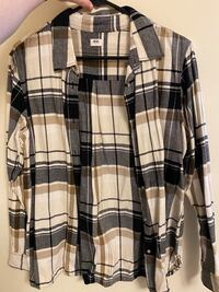 Plaid uniqlo long sleeve shirt Toronto, M1M 1V9