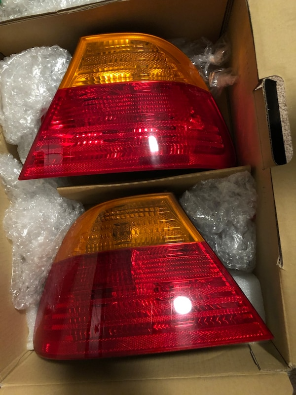 E46 pre facelift coupe tail lights and trunk lights with inside covers and  bulbs