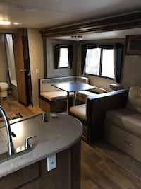 2017 27 foot forest river travel trailer