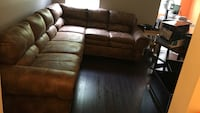 Distressed leather sectional; only 1 yr old; great condition Odenton, 21113