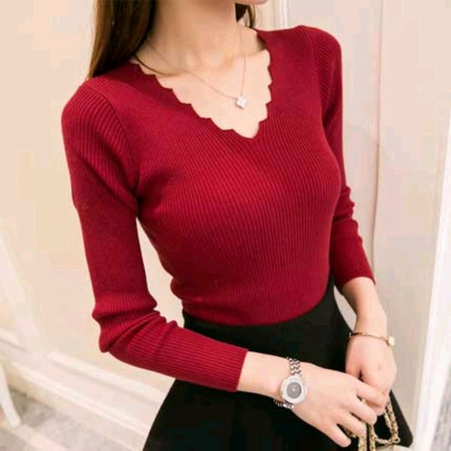 women's knitted top, V-neck and long sleeves
