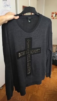 Cross sweatshirt  Arlington, 22204