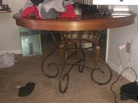 Round dining room table Myrtle Beach, 29577