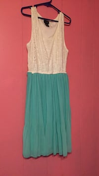 White and aqua/teal formal dress, size medium Neoga, 62447