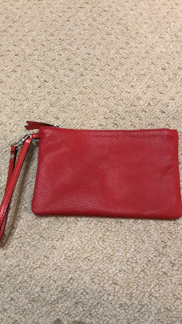 New Banana Republic leather purse 8619a1ca-7728-4614-a721-99dc83d177d0