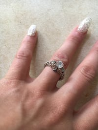 silver and diamond solitaire ring St Catharines, L2M 7T6
