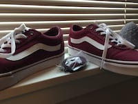 Burgundy and white low top vans Washington, 20019