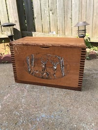 Wooden deer box Woodbridge, 22193