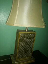 gray and white table lamp New Orleans, 70131
