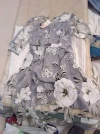 gray and white floral dress Merced, 95341