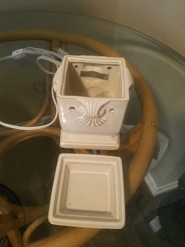 Used Scentsy Warmer Used Once For Sale In Bermuda Dunes Letgo