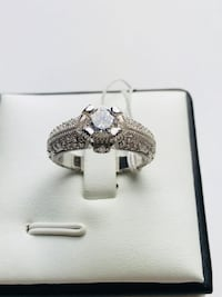 Gorgeous Real Silver Ring Jewelry Wedding Band Engagement Ring Crystal Vintage Design Brampton, L6P 1E6