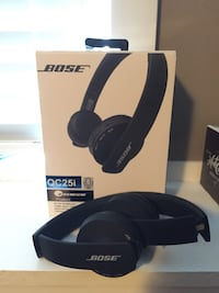 black Bose QC25I with by