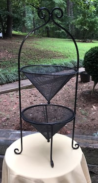 2-Tier Wire Metal Basket Stand Jefferson, 30549